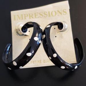 🔥3/$20 Poka Dot Pierced Hoop Earings